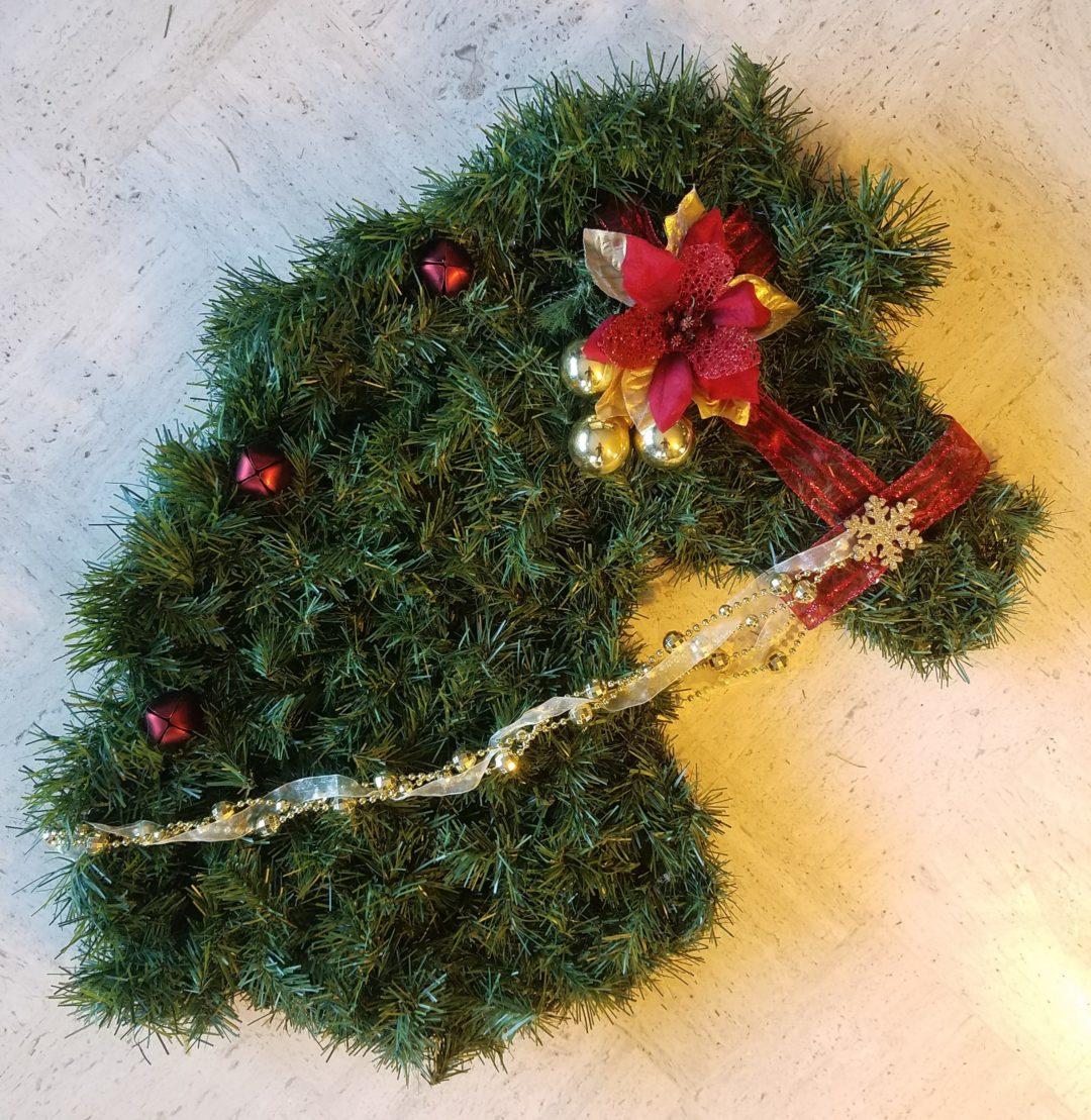 wreath horse
